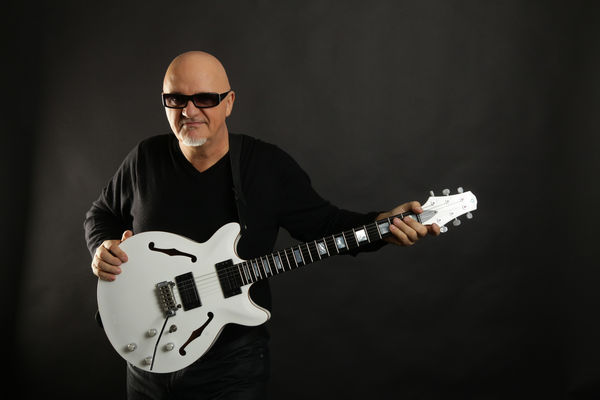 10 Fun Facts About Guitars