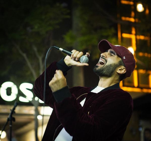 Great shot of Music Hayk absolutely killing it while performing in Santa Monica's 3rd Street Promenade ?