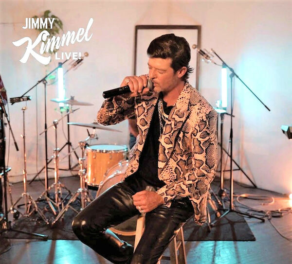 Robin Thicke Performs on Jimmy Kimmel Live