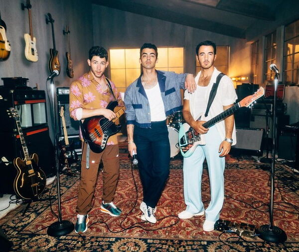 Jonas Brothers Release Funky New Single
