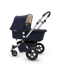 Bugaboo Cameleon3 stroller bayi yang fleksibel dengan desain klasik.
