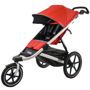 Jogging stroller bayi yang lincah dan stylish.