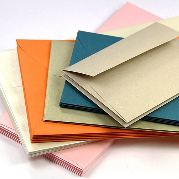 Variety of common and unique envelope sizes at LCI Paper