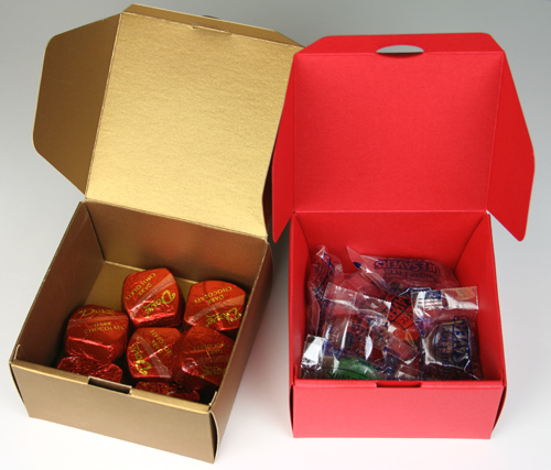 Fill Stardream Favor Boxes with Favors