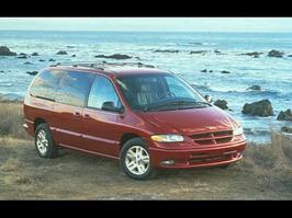 1996 Dodge Grand Caravan LE