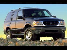 2000 Ford Explorer XL