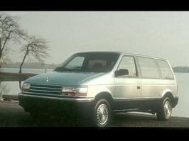 1992 Plymouth Grand Voyager SE