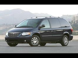 2005 Chrysler Town and Country Limited Edition