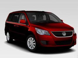 2013 Volkswagen Routan SE