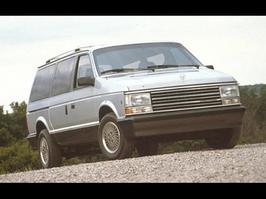 1990 Plymouth Voyager SE