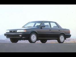 1990 Toyota Camry LE