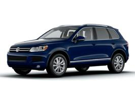 2013 Volkswagen Touareg Executive