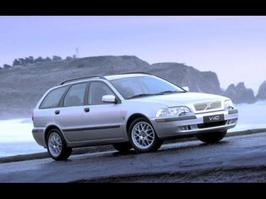 2001 Volvo V40