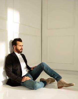 Justin Theroux - Emmy Magazine