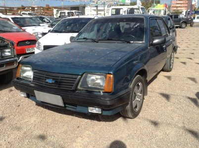 Vehículo - Chevrolet Monza 1986