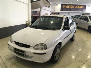 Vehículo - Chevrolet Corsa 2000