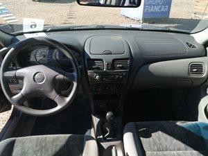 Nissan Sentra B15 EX