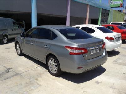 Nissan Sentra sedan super full automatico