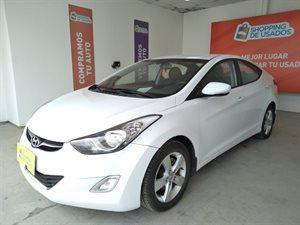 Vehículo - Hyundai Elantra 2012