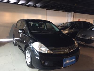 Vehículo - Nissan Tiida 2010