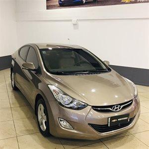 Hyundai Elantra IX