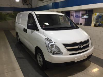 Hyundai H-1 GRAND STAREX 2.4