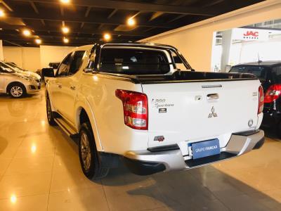 Mitsubishi L200 4X4 AUTOMATICA TURBO DIESEL 2.5