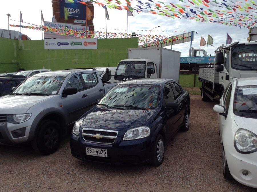 Chevrolet Aveo sedan full