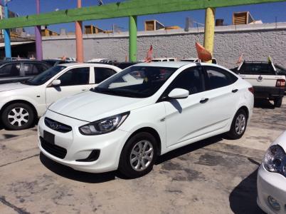 Vehículo - Hyundai Accent 2013