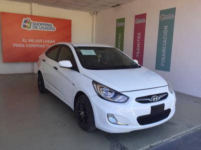 Vehículo - Hyundai Accent 2014
