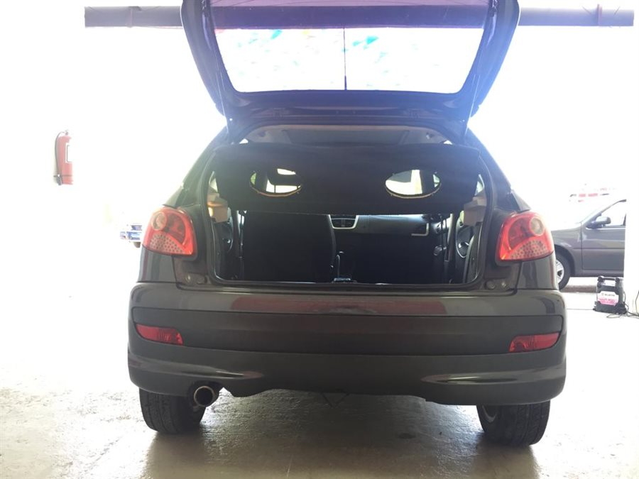 Peugeot 207 COMPACT XS LINE CON PANTALLA Y CAMARA RETRO