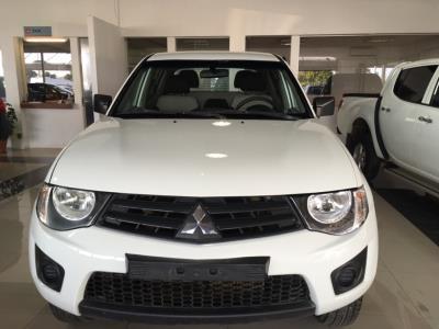 Vehículo - Mitsubishi L200 2014