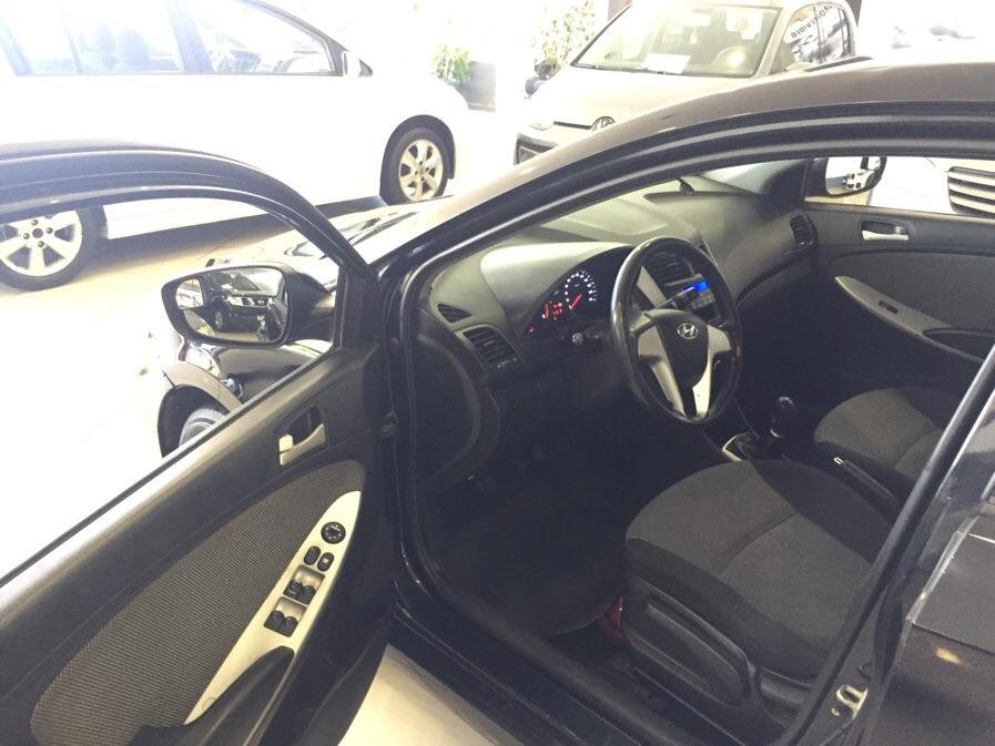 Hyundai Accent EXTRA FULL