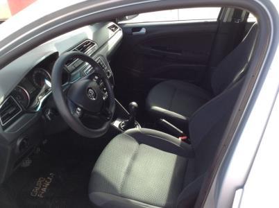 Volkswagen Gol sedan full  (Descuenta Iva)