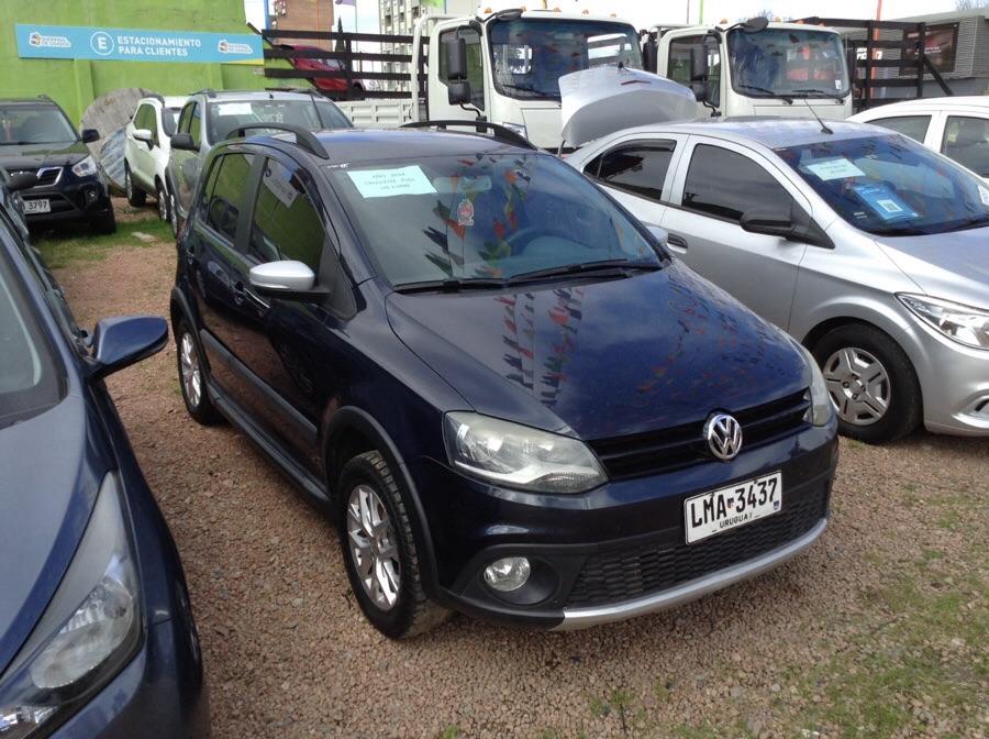 Volkswagen Crossfox suv full