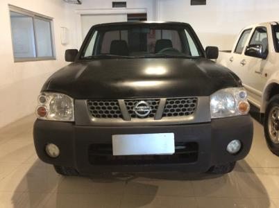 Vehículo - Nissan D22 2010