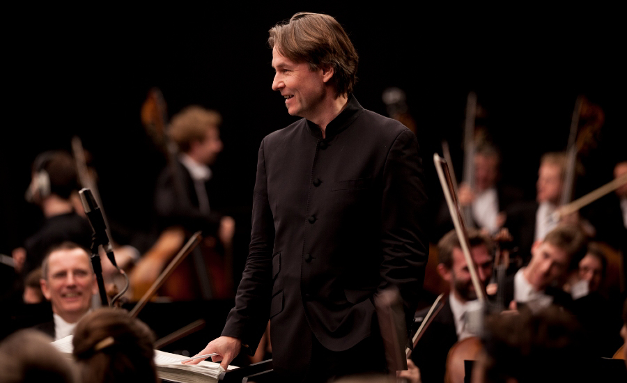 Salonen conducts world premiere of Fog with Philharmonia
