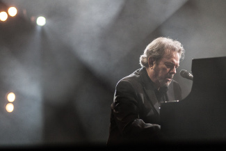Grammy Award-Winning Songwriter Jimmy Webb Premiere for Piano & Orchestra
