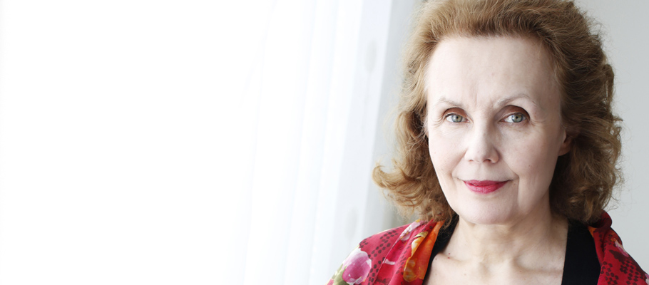 Saariaho on stage
