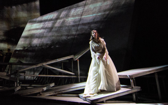 'Breaking the Waves' soars again in Opera Philadelphia's...
