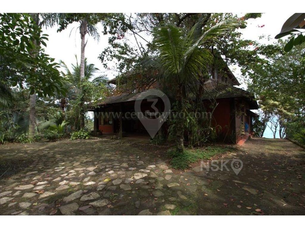 Casa Assobradada para Venda - Urubu