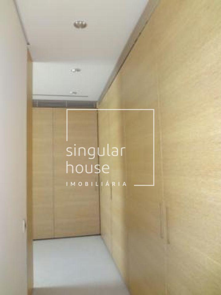 822 m²   4 suítes   10 vagas