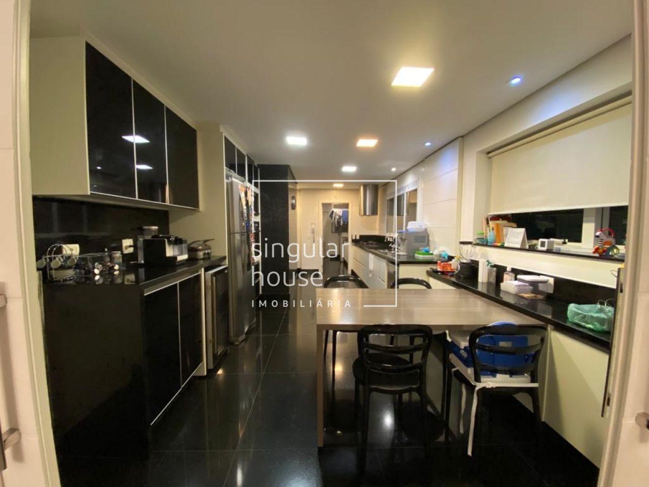 277 m² | 4 suítes | Itaim Bibi