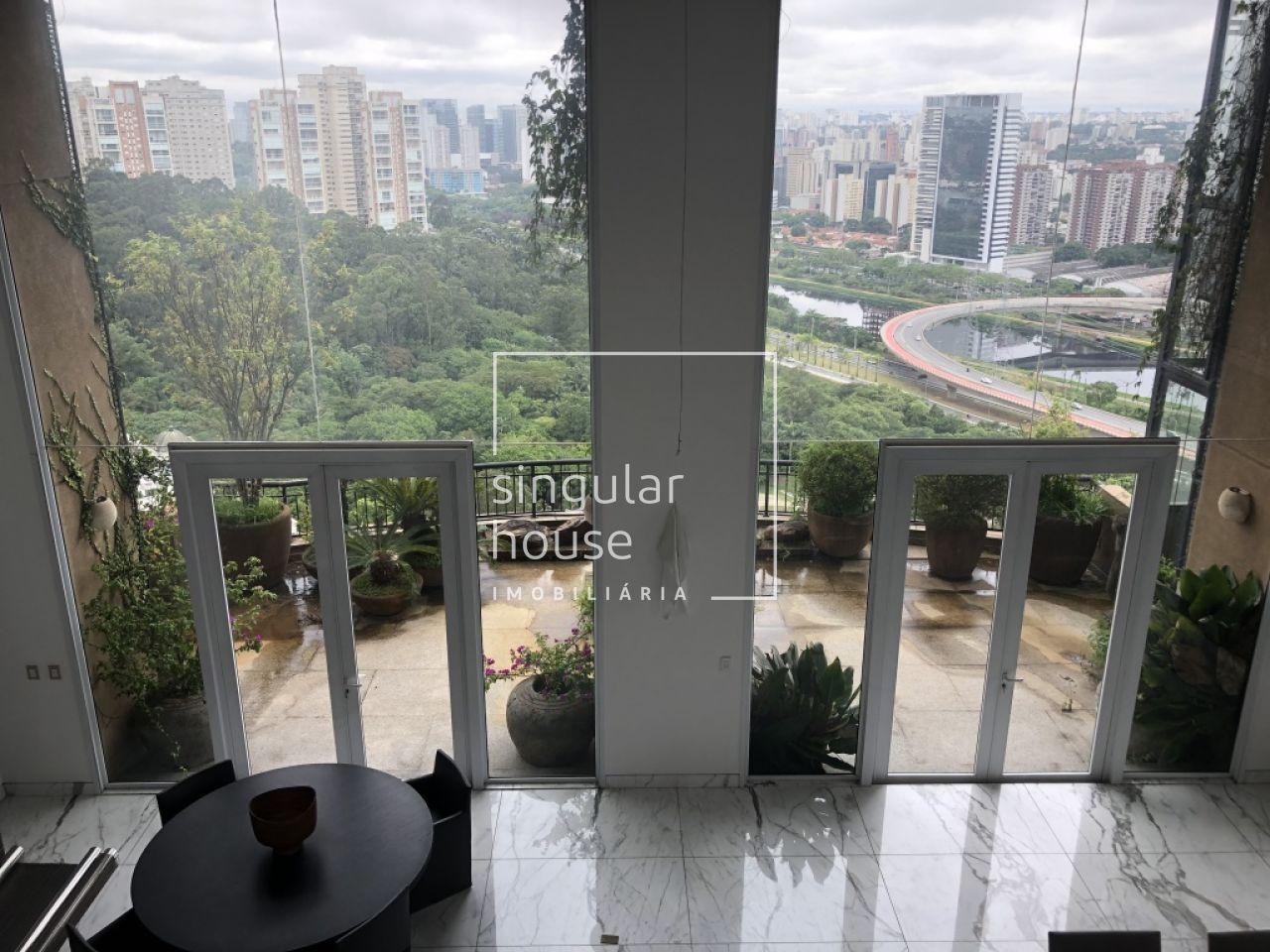 5 Suítes   Altíssimo Padrão   Vista mais bonita de SP