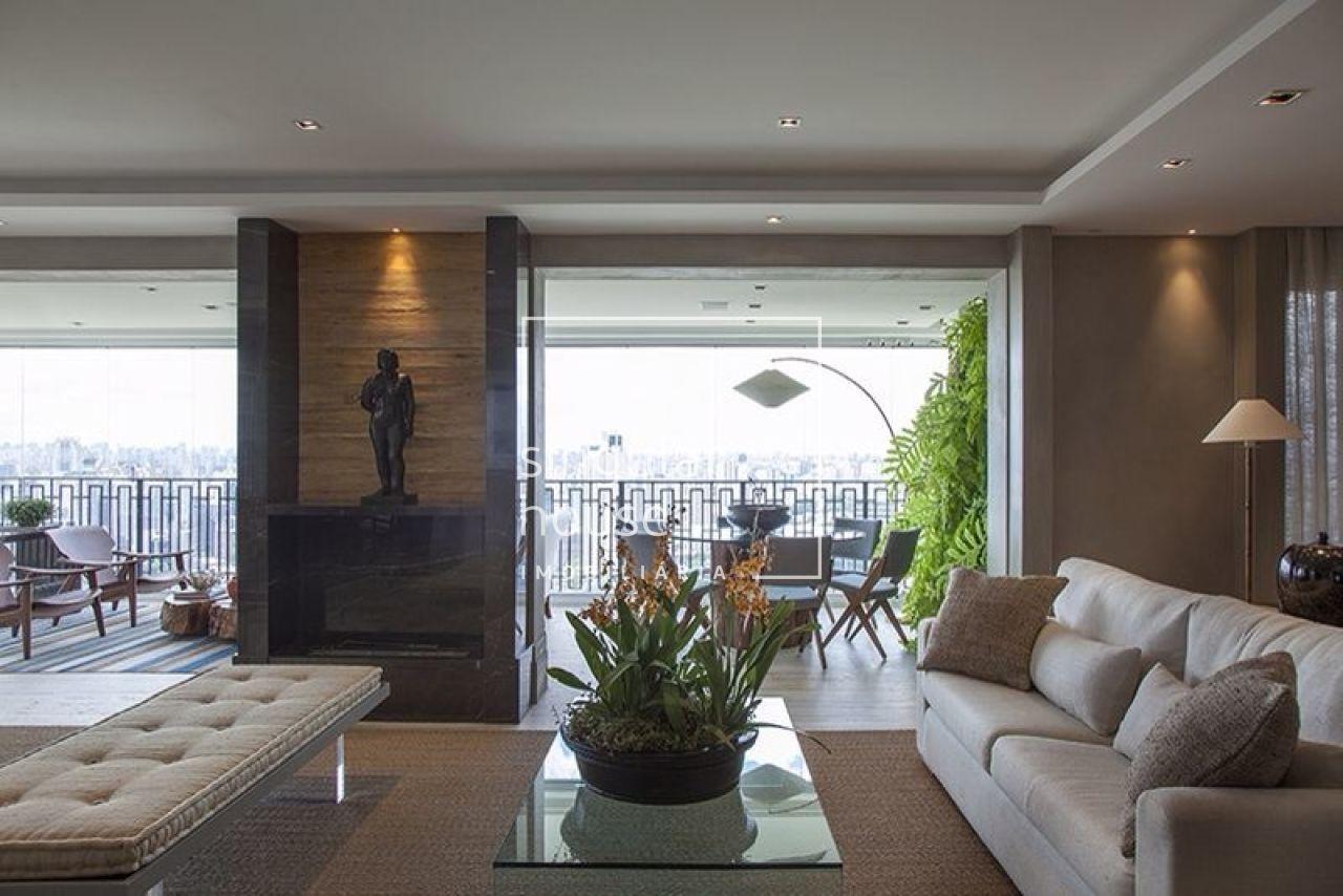 236 m² | 3 suítes | Parque Cidade Jardim