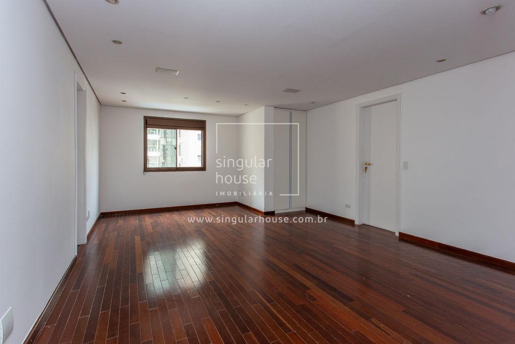 178 m² | 4 suítes | Campo Belo