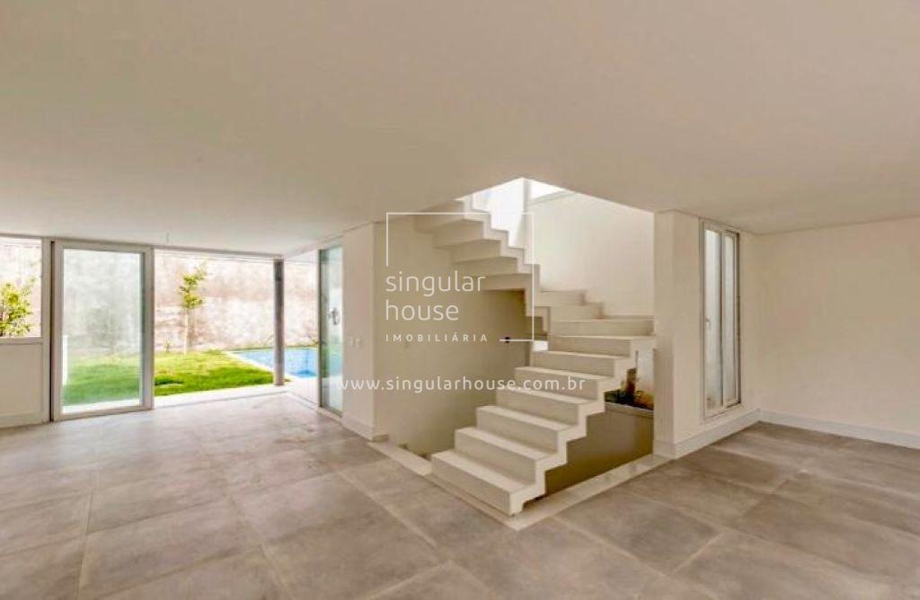 CONDOMÍNIO FECHADO| 350m² 4 suítes | 4 vagas gargem | b