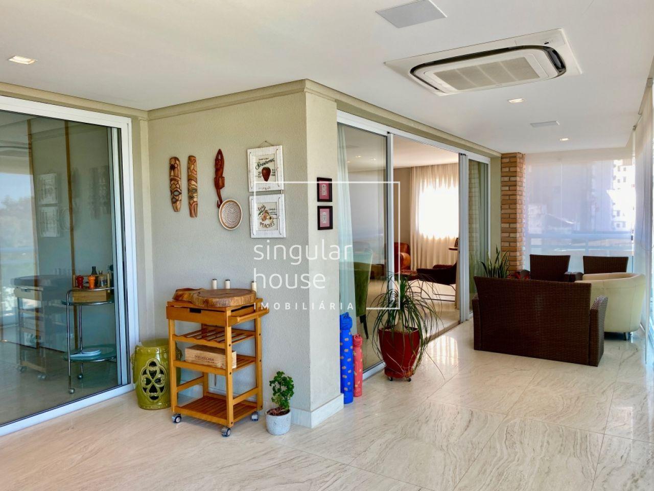 240 m² | 3 suítes + escritório | Brooklin