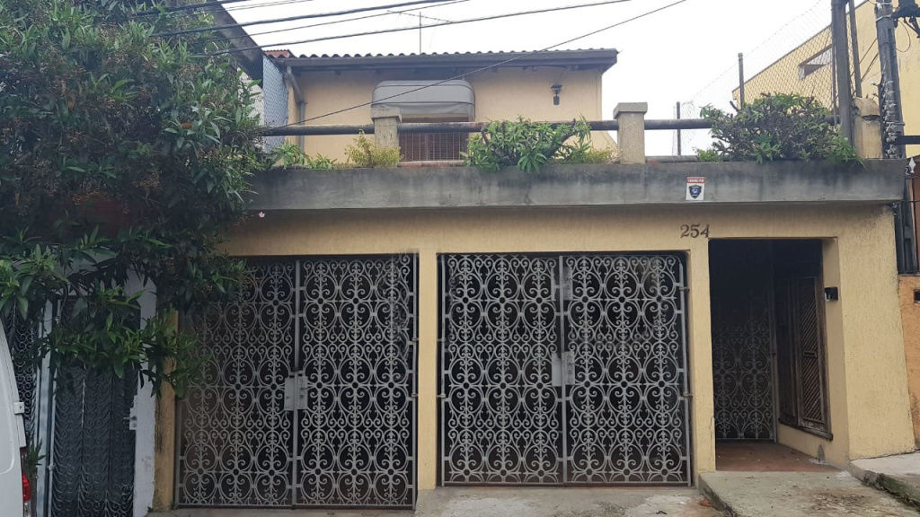 Casa Assobradada para Venda - Vila Santa Delfina