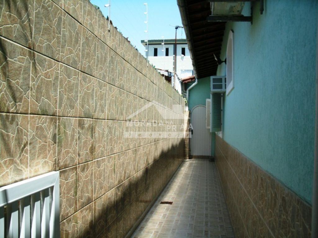 Corredor 02 do casa isolada com 3 dormitórios em Canto do Forte - Praia Grande